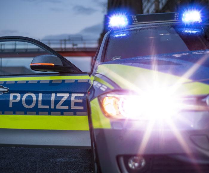 Polizeiauto mit Blaulicht (Deutschland)